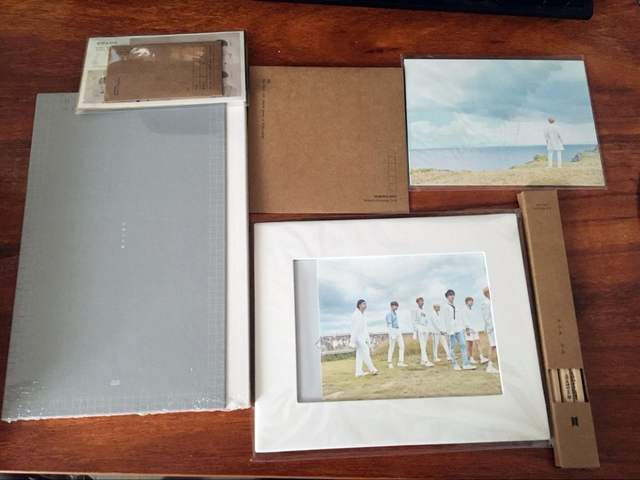 US $199 99 |signed BTS autographed 2018 Seasons greetings  Calendar+DVD+Postcards official korean version K POP 122017-in Cards &  Invitations from Home