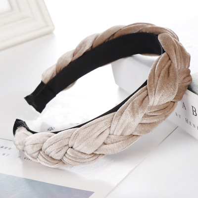 Trendy Padded Velvet Hairband For Women Solid Color Wide Headband Braided Hair Loop Vintage   Headwear   Ladies Headdress