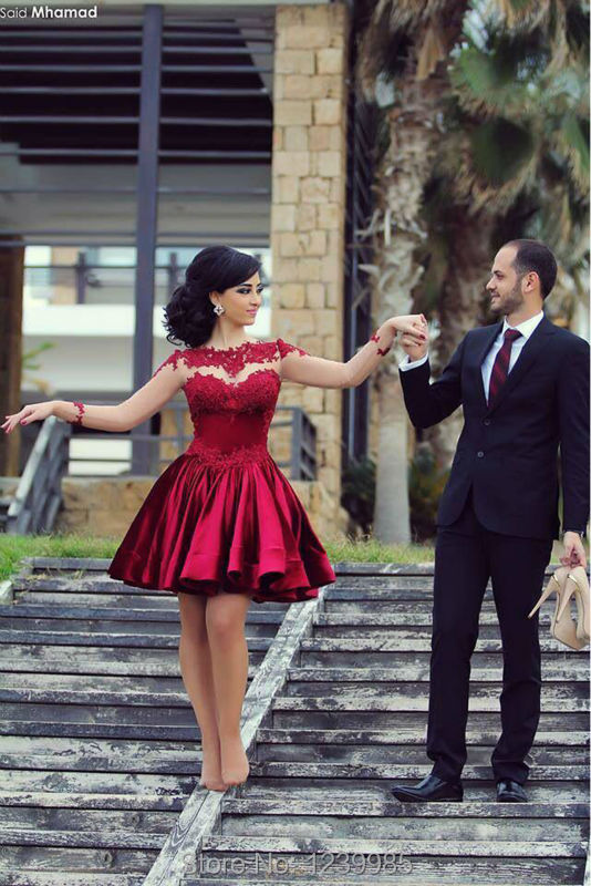 599e280940 Hot Sale Long Sleeves Wine Red Short Prom Dress 2017 Lace Applique Sheer  Design Sexy Cute Homecoming Gown Dubai Style On Sale -in Prom Dresses from  Weddings ...