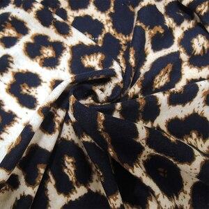 Image 5 - YTL Kadın Büyük Boy Bahar Sonbahar Gri Leopar Derin V Boyun Uzun Kollu Ince Tunik Üst Büyük Boyutu Bluzlar Kadın 5XL 6XL 7XL H088