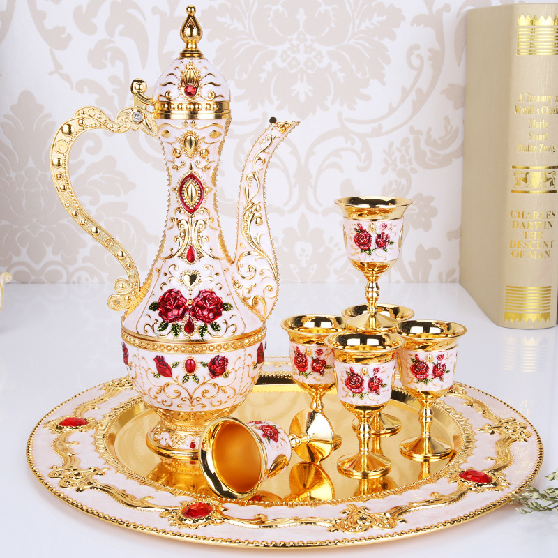 New Arrival Elegant Golden And White Wine Set Tea Coffee Pot Cups Plate Set Home Bar