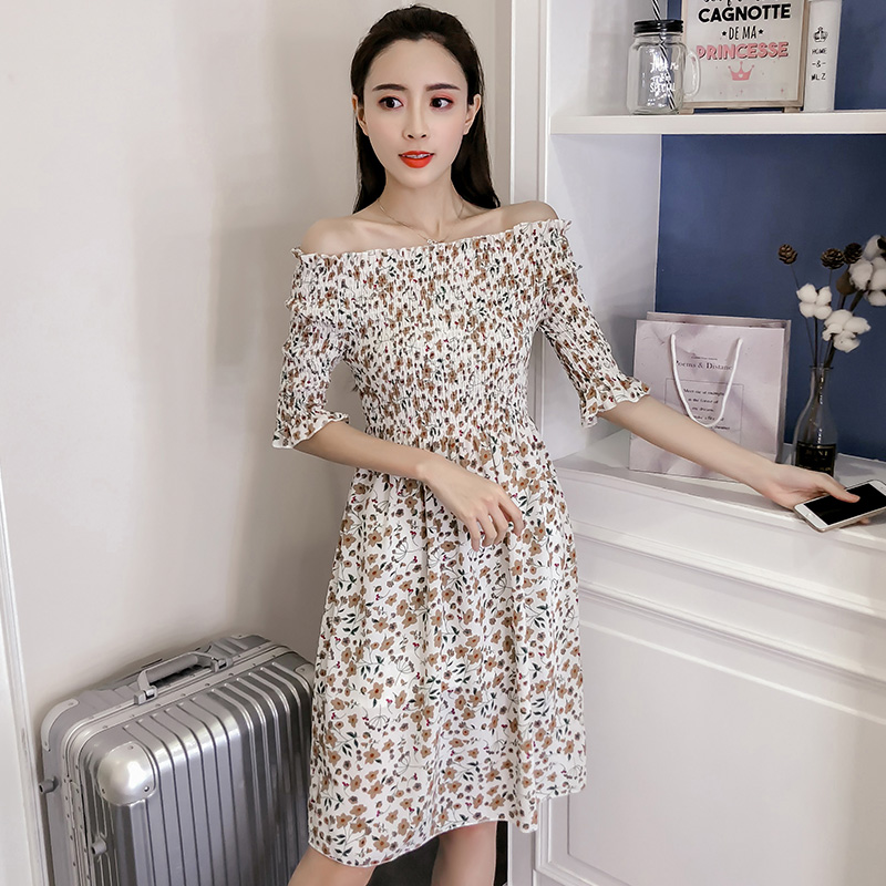 83b8687e02 Female 2018 New Floral Dress Elastic Waist Fashion Chiffon Dress Half  Sleeved Slash Neck Summer Slim Women Clothing Dress-in Dresses from Women s  Clothing ...