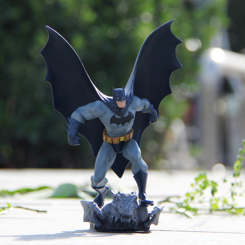 Free shipping Base Batman Action Figure DC Limited Edition 8 Statue Batman Black Toys PVC Model Packed Send a friend a gift new mf8 eitan s star icosaix radiolarian puzzle magic cube black and primary limited edition very challenging welcome to buy