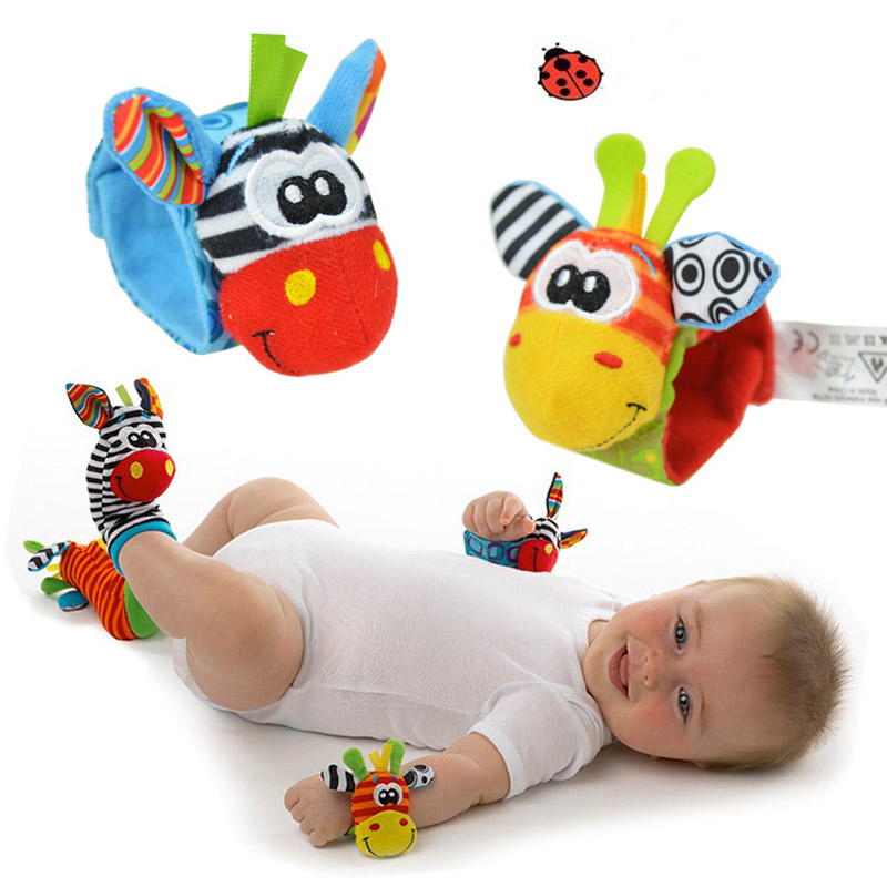 Bebé Rattle juguetes 2018New jardín muñeca del insecto del traqueteo del pie calcetines Multicolor 2 piezas cintura + 2 piezas calcetines = 4 piezas/lote Meias envío libre