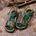 2017 Estilo Étnico Couro Genuíno Das Mulheres Sandálias Plataforma Plana Cor Misturada Mulheres Sapatos de Verão