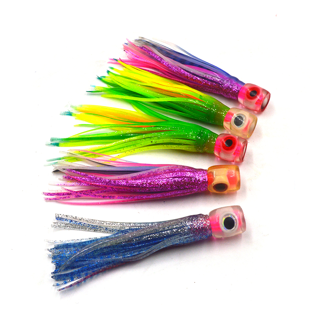 5 pcs Random mixed color Small size soft head octopus  skirt  bait  sea trolling fishing lure salt water lures  4.5 inch 13g 6 5 inch jig head octopus skirt bait sea tackle tuna lure trolling fishing lure copper head double skirt with line and hook