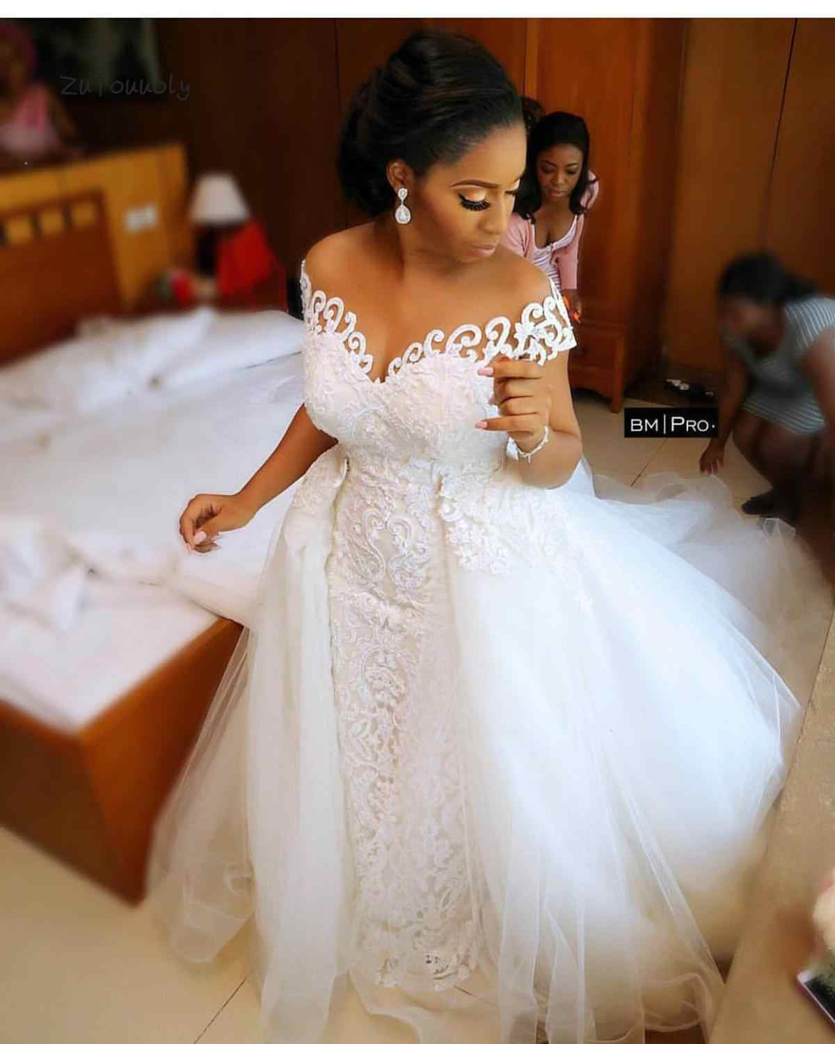Dubai Arabic Wedding Dresses Detachable Train African Wedding Dress Mermaid Convertible 2 In 1  Lace Country Wedding Dress 2019