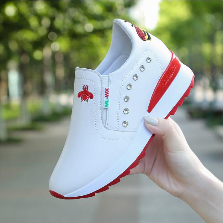 Women Casual Shoes 2019 Autumn Women Sneakers Fashion Breathable Leather Platform White Women Shoes Bright Drill Heighten Shoe
