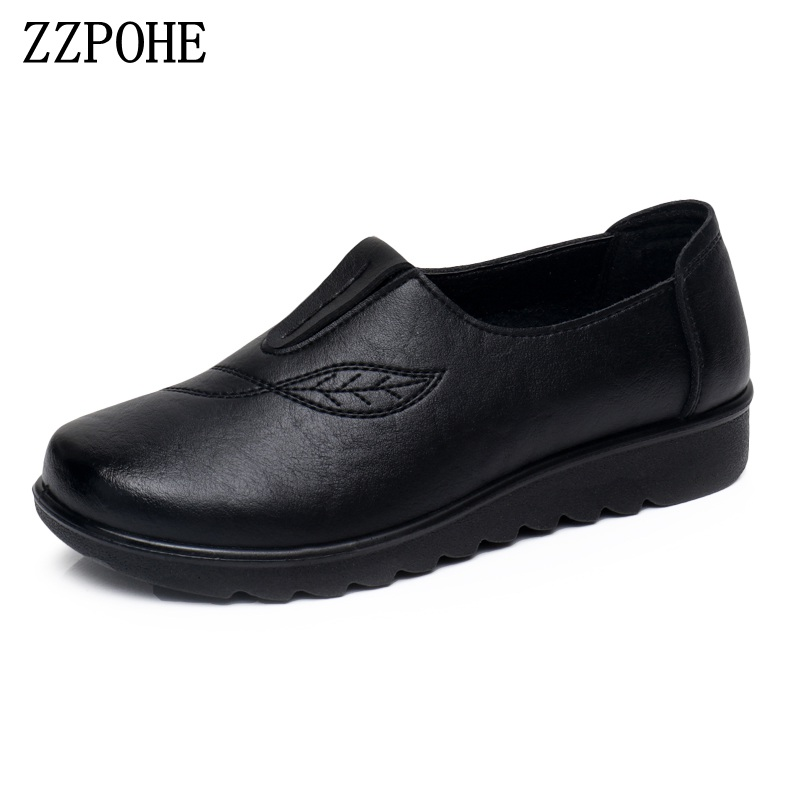 ZZPOHE Women Shoes Woman Fashion Leather Slip On Flats Shoes Mother Casual Soft Driving Shoes Female Shoes branded men s penny loafes casual men s full grain leather emboss crocodile boat shoes slip on breathable moccasin driving shoes