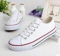 Nova Moda recortes de renda branco sapatos de lona Respirável Sapatos Casuais mulheres apartamentos zapatos mujer