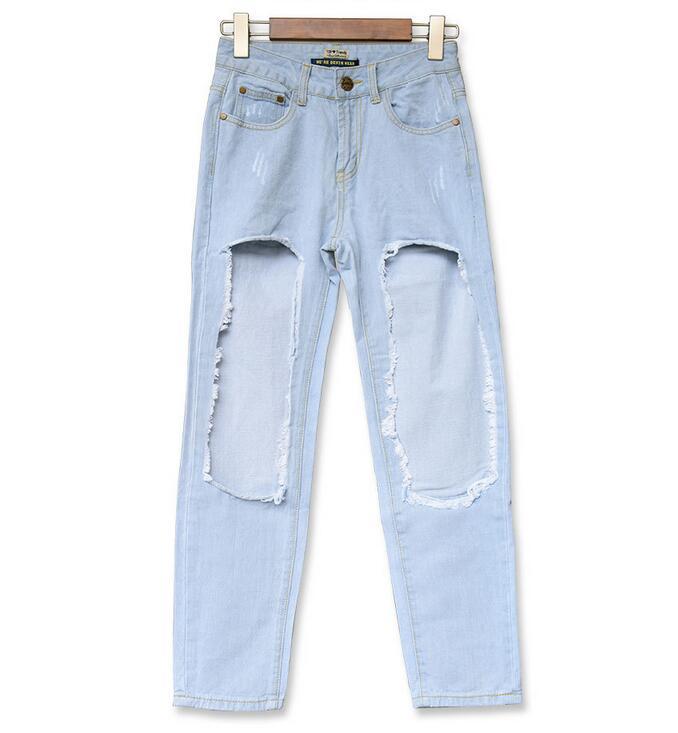 2017 European street street girlfriend boyfriend wind big hole do old light blue cowboy nine pants jeans girl