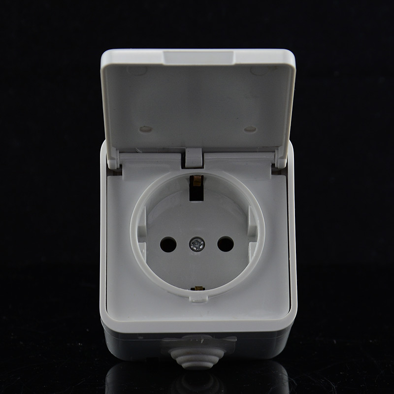 European Standard Power Outlet IP44 Level Waterproof And Bright Outdoors Cover Wall Socket 16A 250V