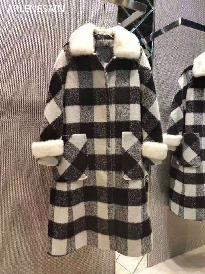 Arlenesain custom 2018 winter new custom ladies long coat black and white classic plaid mink fur collar jacket sleeves
