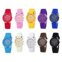 Genève Montre Sport Unisexe Quartz montre 14 couleur femmes montres Sport Montres pour fille cadeau Silicone Relogio masculino clcok