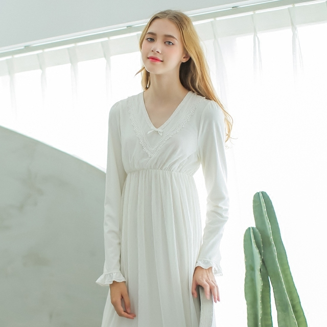 2017 New Autumn Women's Long White Vintage Pyjamas Pink Home Cloth Sleepwear 100% Cotton Nightgown Free Shipping