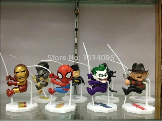 8 pçs/set Alienígena Q Versão do homem-Aranha Batman Super-heróis Coringa Predadores Freddy Jason Figura de Ação DO PVC Brinquedos Bonecas WF004
