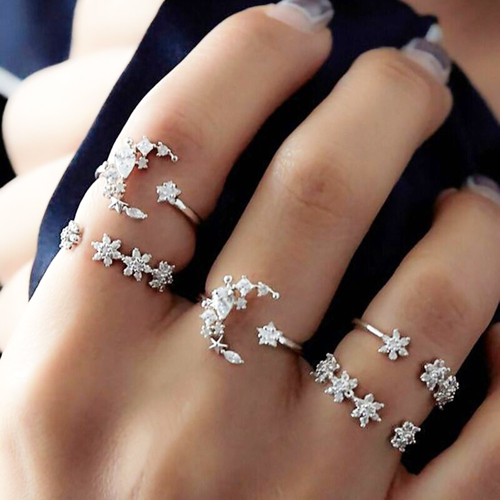 Moon and Star 5pcs Ring Set Jewelry Bohemia Vintage Silver Plated Crystal Flower Leaf Rings for Women Fashion Jewelry Gifts image