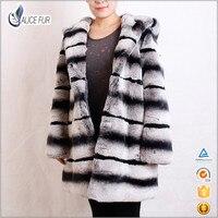 Женское пальто из меха кролика рекс с капюшоном