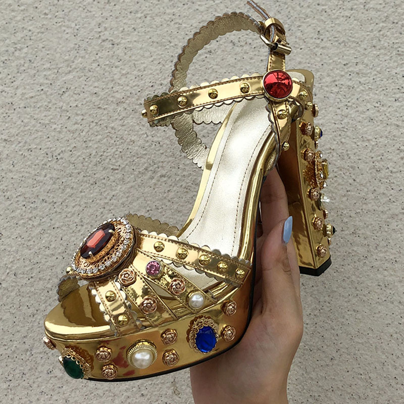 2019 neueste Gold Leder Plattform Sandalen Frauen Peep Toe Rot Diamant Strass Jeweled Hohe Ferse Schuhe Frau Gladiator Sandalen-in Hohe Absätze aus Schuhe bei  Gruppe 2