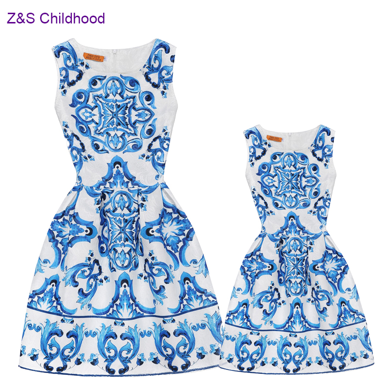 New 2018 Summer Mommy and Me Clothes Mother Daughter Dress Family Dress Blue and white china Print Teenage Girls Clothing A-line