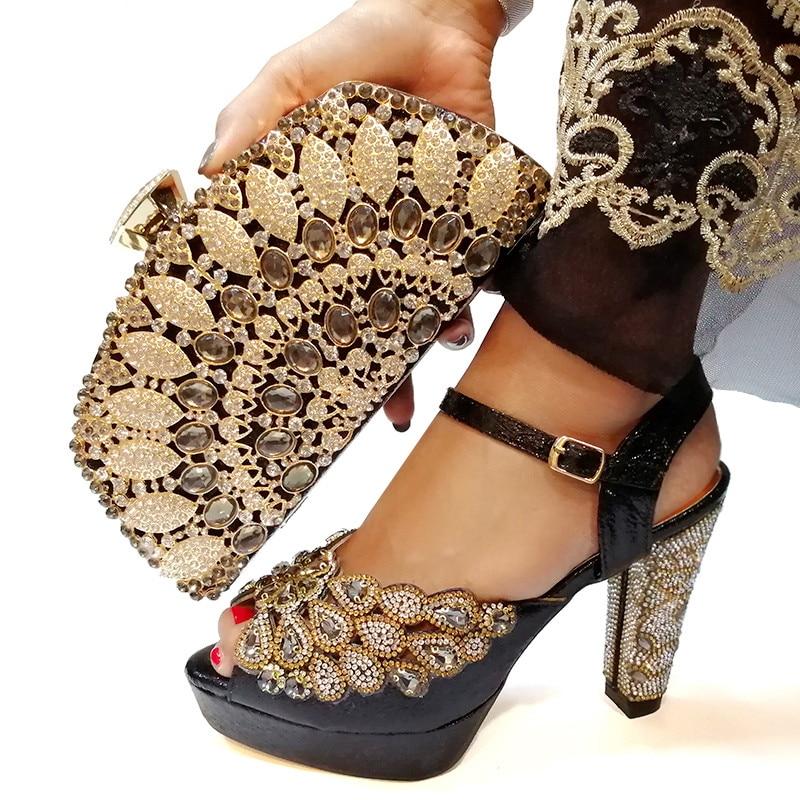 Ayakk.'ten Kadın Pompaları'de Ayakkabı ve çanta seti Yeni 2019 Kadın Ayakkabı ve çanta seti İtalya'da Siyah Renk Eşleşen Çanta ile İtalyan Ayakkabı Set'da  Grup 1