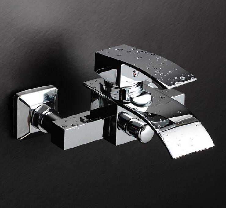 купить Bathroom bathtub faucet chrome plated, Wall mounted waterfall bathtub faucet, Copper bath and shower faucet mixer water tap по цене 2823.94 рублей