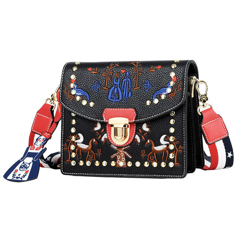 Mnee ulzzang Messenger Bags for Women 2018 Leather Handbag Lock Buckle Embroidery  Shoulder Bags Luxury Vintage Rivet Sling Bags c4e7d72ac40b2