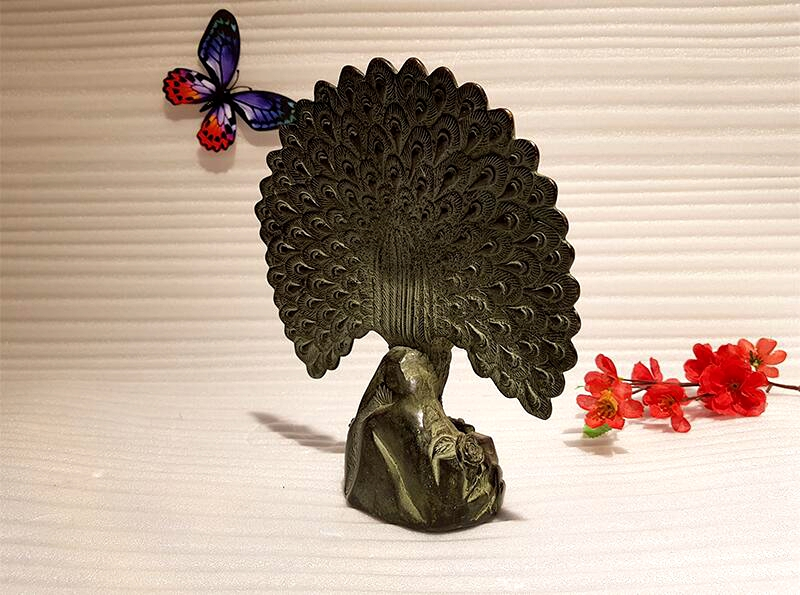 Chinese antique bronze peacock art collection copper peacock Feng Shui lucky copper animal indoor home decoration (5)