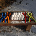 ¡ NUEVO! invierno en forma de Granada de Nieve Fabricante de la Bola de Arcilla Herramienta de Molde de Arena Niños juguete Bola De Nieve Fabricante Clip de Juguete Infantil Deportes Al Aire Libre 4 Colores