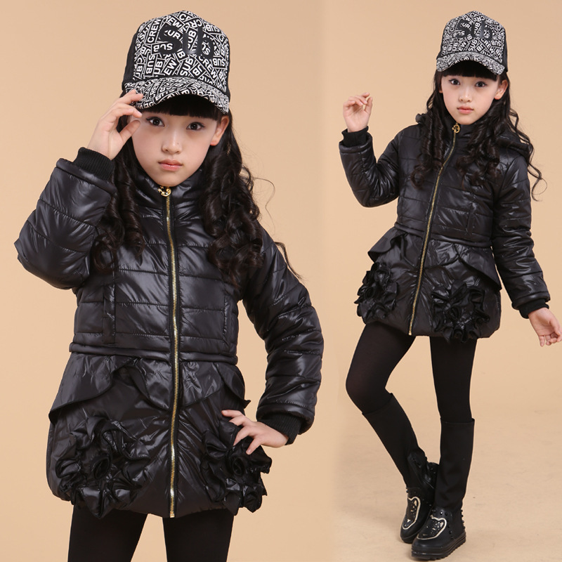 где купить  Free shipping Winter new arrival girl princess sweet wind flower adornment hooded cotton outerwear girl coat children clothing  дешево