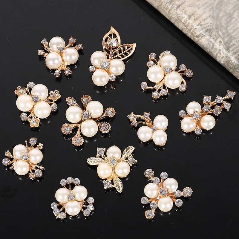 2017New 100Pcs Pearl Flower Core Rhinestone Button/Buckle For Wedding Or DIY Hair Accessories ZJ300-ZJ307