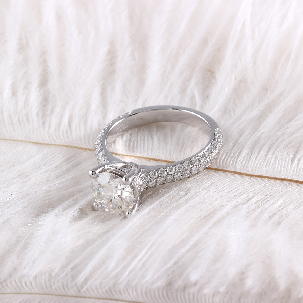 moissanite ring with accents (12)