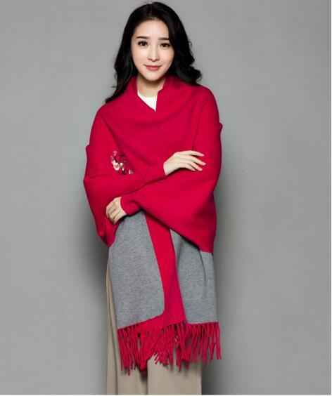 Зимой толстые кашемировые пончо цветок Длинные пашмины кисточкой с рукавом для женская обувь высокого качества