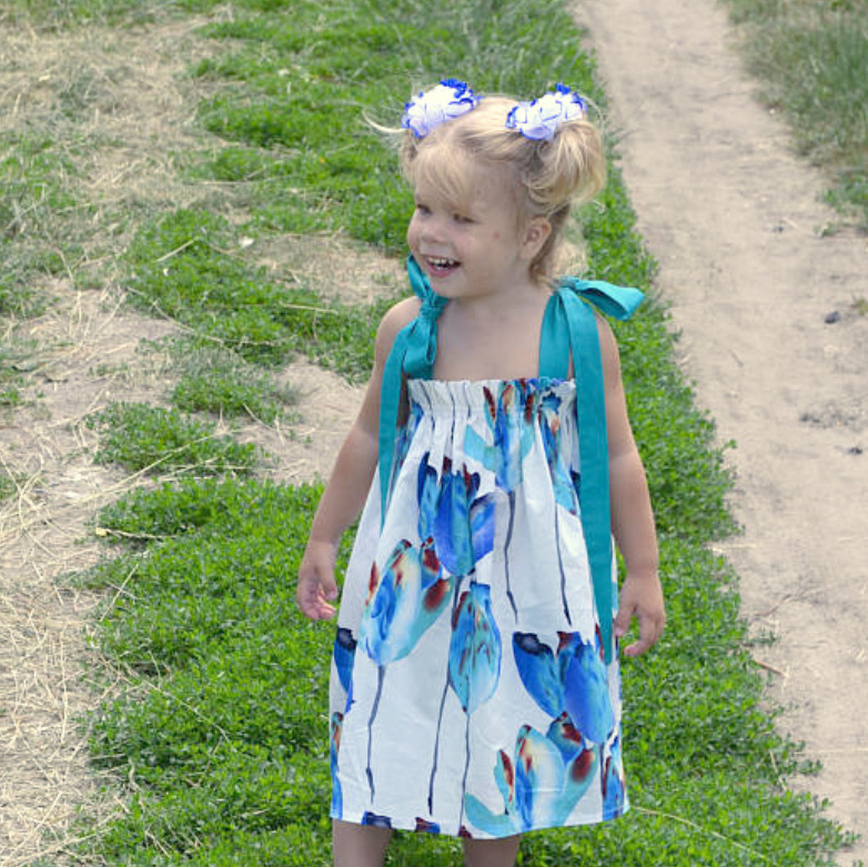 Mother Daughter Dress Knee-length Blue Floral Print Sling Dress Sexy Sleeveless Mini Dress for Mommy Me Matching Family Clothing
