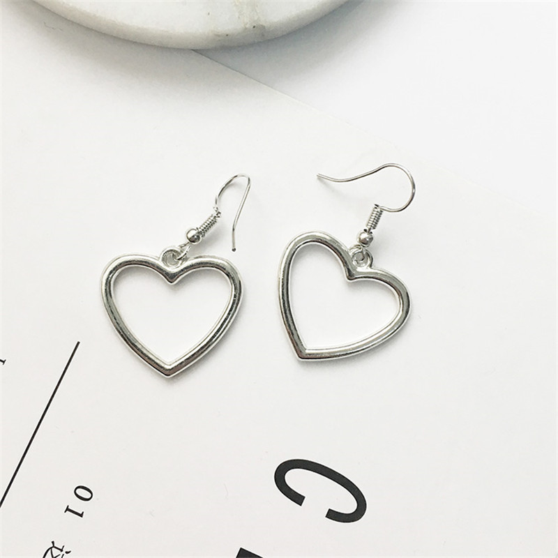 Hot sales Korea sweet hollow geometric heart-shaped love earrings cute gold color heart stud earrings For women party earrings 3