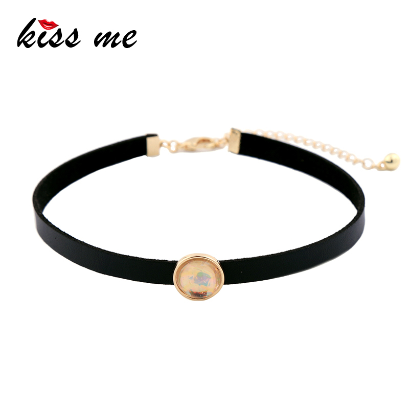Galleria fotografica KISS ME Black Choker Vintage Punk Round Necklaces for Women Imitation Leather Jewelry Accessories