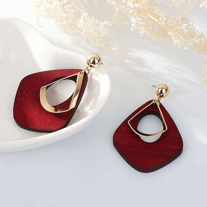 Hot Sale Vintage Women's Fashion Statement Earring Red Green Brown Black Color Long Wooden Brincos Wedding Party Gift