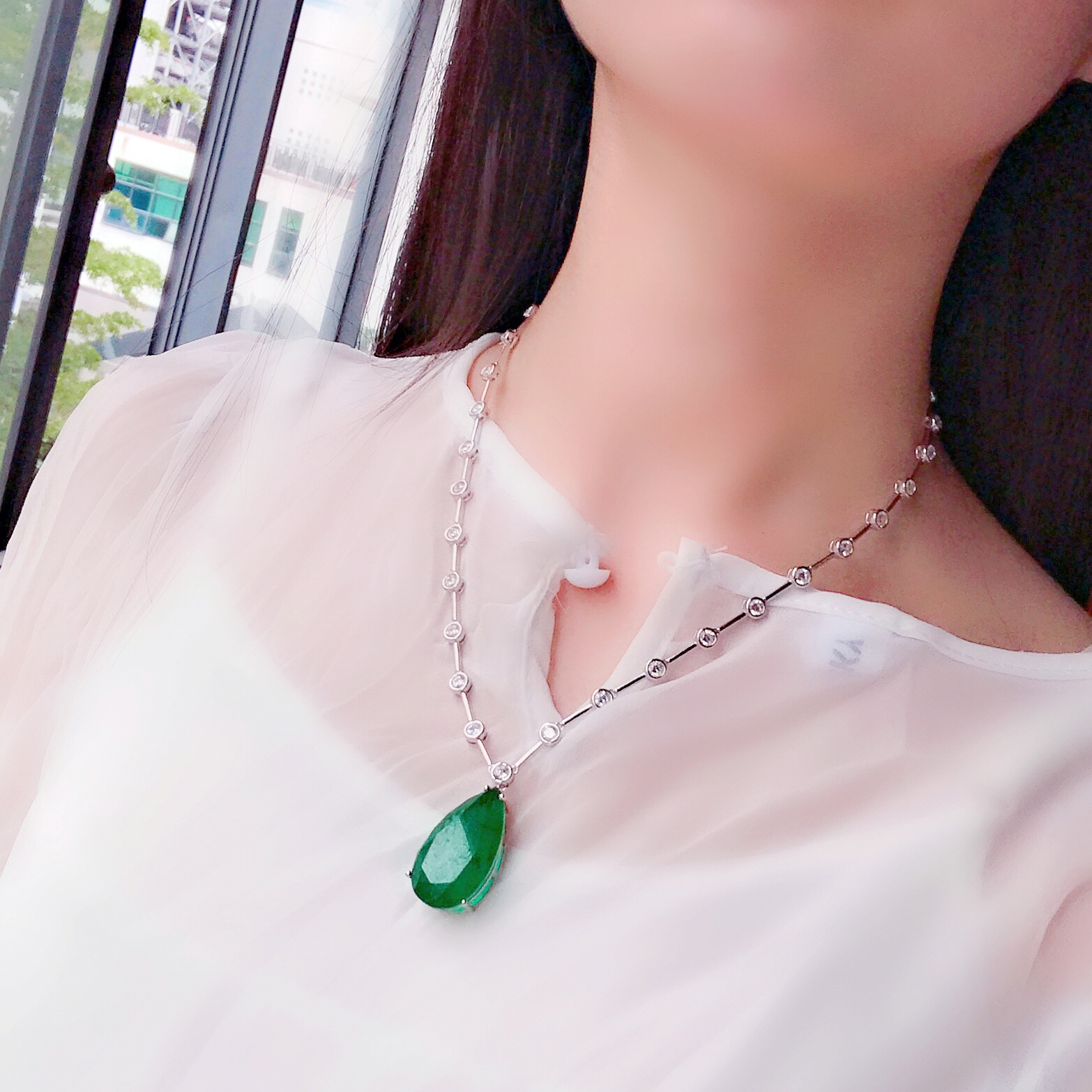 Dinner Simple Green Clavicle Chain S925 Sterling Silver Green Stone Necklace Drop Pendant Bag Beads Chain Atmosphere FemaleDinner Simple Green Clavicle Chain S925 Sterling Silver Green Stone Necklace Drop Pendant Bag Beads Chain Atmosphere Female