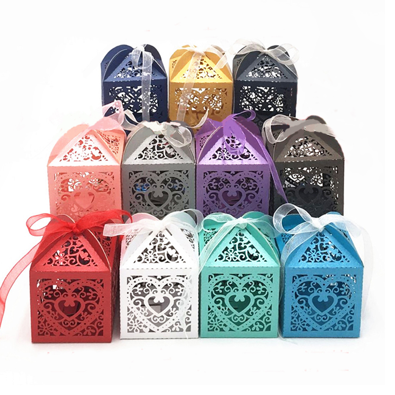 10pcs/lot Love Heart Laser Cut Hollow Carriage Favors Gifts Candy Boxes With Ribbon Baby Shower Birthday Wedding Party Supplies