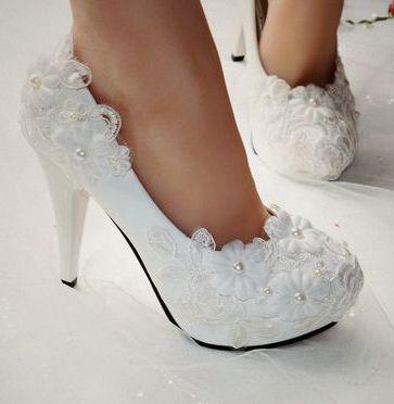cd8f1679f33919 Extra haute 11 cm talons femme chaussures de mariage blanc, plates-formes  semelles rouges sexy bout rond dentelle fleur de mariée de danse pompes  ventes