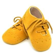 Мальчик в Девочке Мягкой Подошвой Шпаргалки Тапки Вышивка Prewalker Sapatos 4 Цвета Малыша Первые Ходунки Детская Обувь