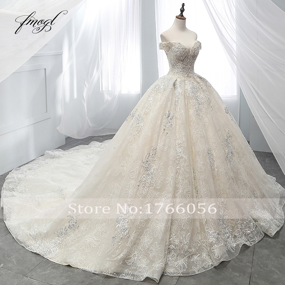 Image 3 - Fmogl Sexy Boat Neck Lace Ball Gown Wedding Dresses 2019 Appliques Beaded Chapel Train Vintage Bridal Gown Robe De Mariage-in Wedding Dresses from Weddings & Events