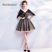 Gardenwed 2019 Short Black Homecoming Dresses With Lace V Neck Prom Dress Half Sleeves Mini Homecoming Gowns Graduation Dress