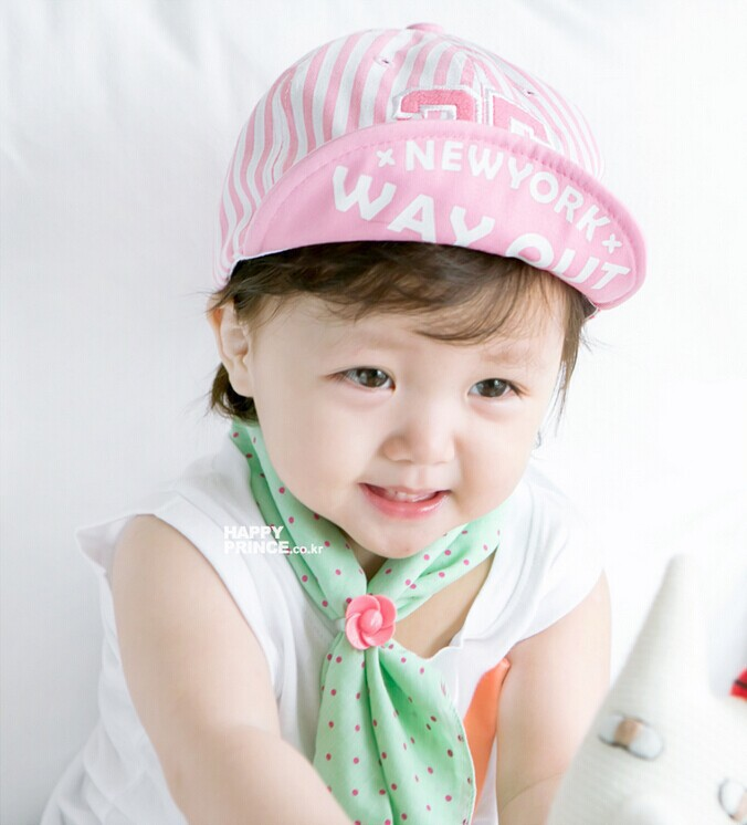 Popular Lovely Design Handsome Plaid Casual Hat Cute Baby Cap Kids Boys  Girls Hats Newborn Photography Props Baby Cap en Disfraces juegos hombre de  La ... f2cd0c076827