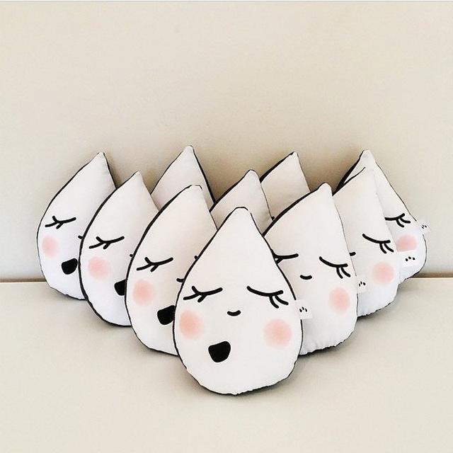 Travesseiro Do Bebê Do algodão Dos Desenhos Animados Bonito do Urso de Pingos de Chuva Suave Newborn Posando Travesseiro Boneca Almofada Do Pescoço Do Bebê apaziguar Cama Decorações