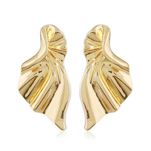 FLDZ 2018 New Fashion Curve Twisted Geometric Stud Earrings personality Irregular lady's ear pin party ornaments