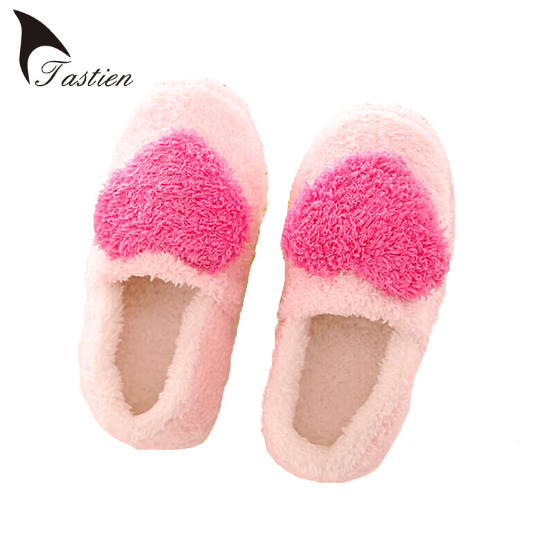 2017 Winter Pantuflas Pantufa Love Heart Pattern Cotton Plush Slippers Soft Warm Floor Indoor Shoes Women Bedroom House Slippers warm plush big feet pattern fully wrapped indoor slippers for winter