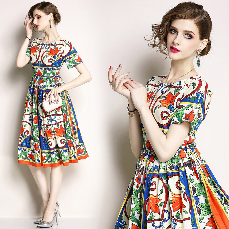 Summer new European and American women's temperament round neck Slim thin large pendulum printing short-sleeved dress explosion