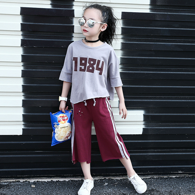 New Summer Girl Hot Irregular Digital Stripe Child Round Neck Suit 2 Pieces Kids Clothing Sets 2017 new summer 369 digital