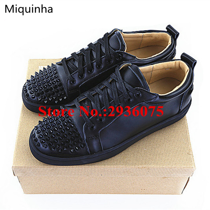 Black Soft Leather Low-Top Zapatos Hombre Spikes Studded Flats Lace Up Casual Men Shoes Trainers Zapatillas Deportivas Hombre 2016 hot low top wrinkled skin cockles trainers kanye west chaussure flats lace up mens shoes zapatos mujer casual shoes